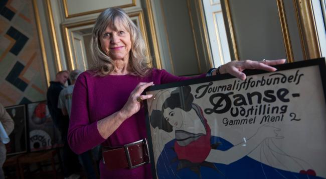 Lotte Freddie med sin bedstemor danserinden Ellen Tegner. Foto Henrik Petit.