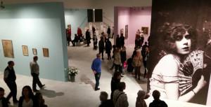 Imponerende Gerda Wegener udstilling på Arken