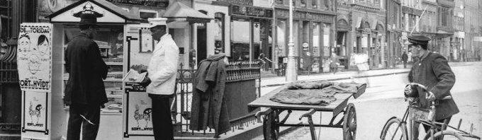 Sort paa Hvidrt Højbro Plads 1918