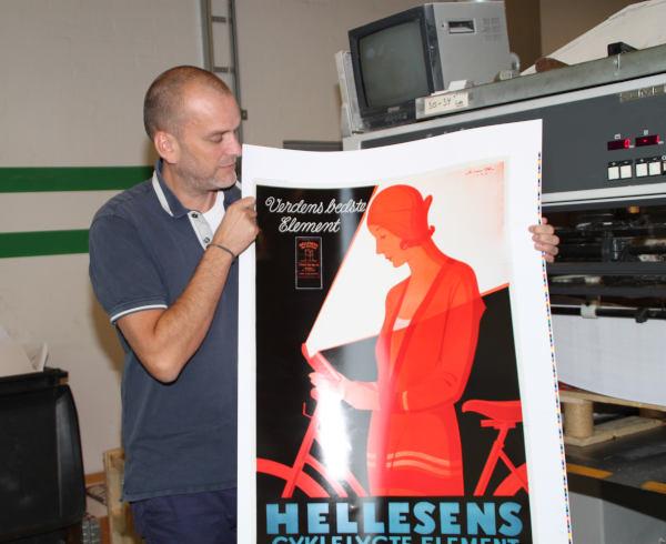 Nikolaj Pors med Hellesens prøvetryk